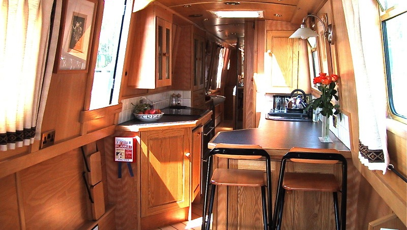 Interior designer walnut designs narrowboat interior for Interior designs pictures
